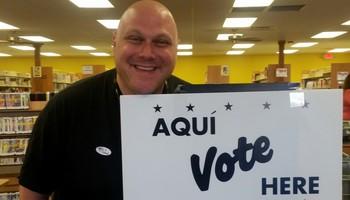 Nehemia Gordon voting in Texas 2016.